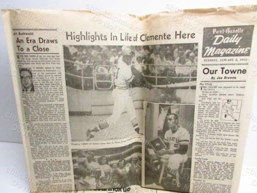 Pittsburgh Post-Gazzette Picturing Roberto Clemente on the front page Jan 2, 1973 Announcing his Death in a plane crash