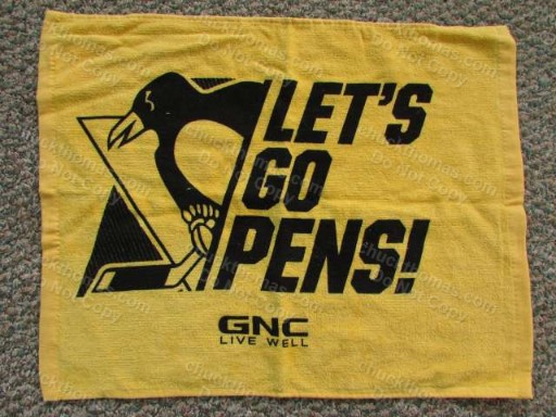 Penguin 2016 GOLD Playoff Cheering Towel UPMC Life Changing Medicine GNC Living Well